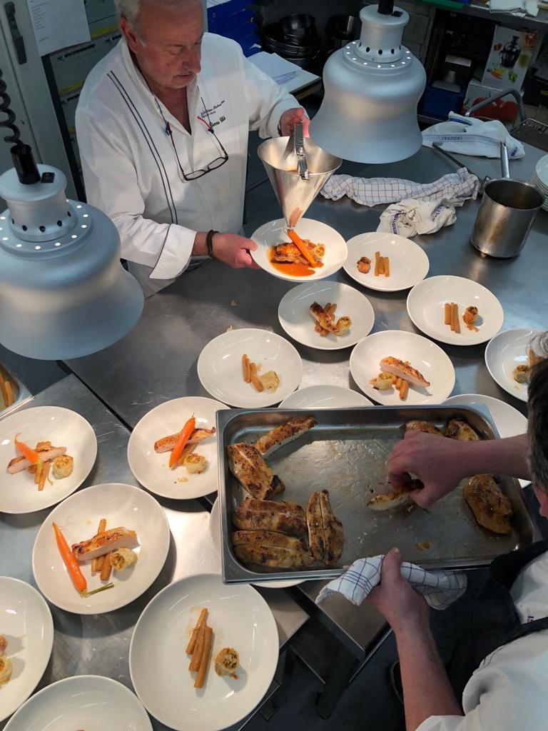 cenas-gastronomica-pau-pamplona-debure